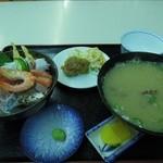 水産食堂 - 海鮮丼、大アサリ味噌汁