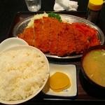 ニューフライパン - 料理写真:サービスとんかつ定食¥750