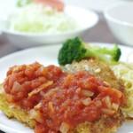 港町食堂 - チキンカツレツトマトソース定食