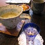 1966919 - 蕎麦前の酒は地酒の【田酒】。