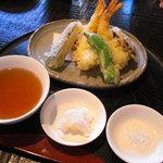 1966920 - 天ぷら盛合せ。