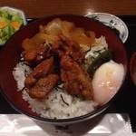 19660510 - 鶏もも焼丼(大盛無料) ¥690
