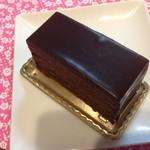 19664527 - ガトーエスメラルダ(\650):ねっとり濃厚ビターチョコレートクリームで表面を覆って♥
