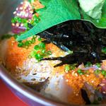 御食事処 きはち - 「海鮮丼」。とても千円代とは・・・。