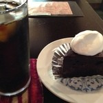 19666349 - アイスコーヒー&ショコラケーキ