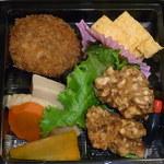 牛長本店 - ←コロッケ・玉子焼き・酢の物・鶏唐・高野豆腐と野菜の炊き合せ♪
