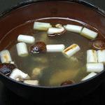 向島 平岡 - 【平岡流すっぽん鍋】濃すぎずさらりとした口当たりで何杯も飲めてしまうすっぽんスープ。初めての人でも安心です。