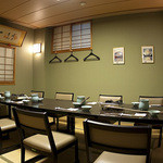 大塚 三浦屋 - 畳にテーブルの完全個室7〜12名様までご利用可能。(テーブル1本になります。2部屋あり)