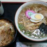ヤマカそば - ラーメン+小カツ丼800円