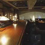 LAGOON CAFE - 店内夜照明