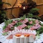 むらさき - 先付・鮮魚造り盛り合わせ・酒菜オードブル・鯨はりしゃぶ鍋・細うどん・香の物付き
