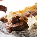 ポン・ヌフ - 料理写真:千屋牛のステーキ 赤ワインソース