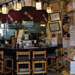 食い道楽 - 店内のカウンター席