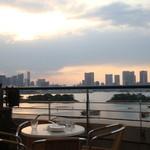 19685514 - テラス席から東京湾を一望できます♪