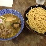 六厘舎 - つけ汁と極太麺