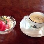 和風レストラン 麻希 - 日替わりセットのサラダとスープ