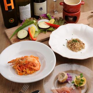 おすすめ料理が一度に食べられる、お得な平日のランチコース