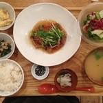 19694339 - 五穀ひじきと豆腐のハンバーグ野菜あん(1,050円)