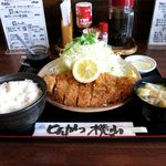とんかつ 横山 - 特選ロースかつ定食(1,400円)