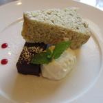 Cento per Cento  - 本日のドルチェ(チョコレートケーキ・シフォンケーキ)