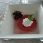 ぶどうの丘 展望ワインレストラン - デザート:巨峰のゼリー
