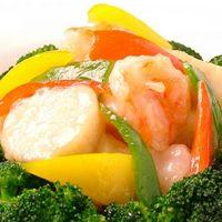 全聚徳 - 海老、ホタテ、季節野菜の炒め