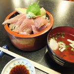 かわしま寿司 - ランチのマグロ丼¥500