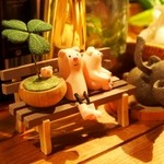 ワインちゃん 瓦・町・路・地 - 豚が可愛い