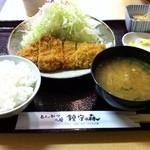 鎮守の森 - とんかつ定食(780円)