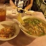 ミス サイゴン - 食べラからの投稿。 初、ベトナム料理。 ヘルシー♪