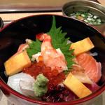 すし萬 - 海鮮ちらし(ハーフ01575円)