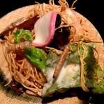 九州 熱中屋 - 長崎皿うどんサラダ 830円