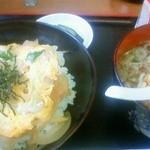 小鹿屋 - 日替わり(豚玉丼+小ラーメン)