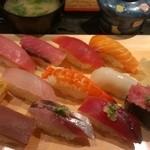 魚がし日本一 - 魚がしセット(980円)