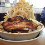 麺人 しょう太郎丸 - 怪物くん醤油野菜メガ盛 700円