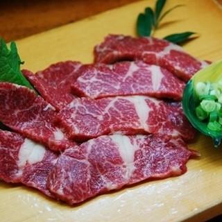 馬肉は九州熊本より食肉馬肉を空輸しております。
