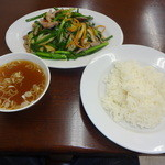 万寿園 - ニラ肉炒め定食(1000円)