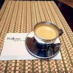 ドイトンコーヒーショップ - エスプレッソ ストレート 200円