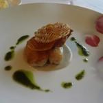 19713547 - 魚料理   金目鯛のグリル   ゴボウのソース  バジルのソース