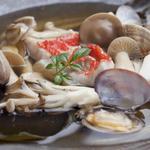 くろしお - 金目鯛とキノコのちり蒸し 1575円
