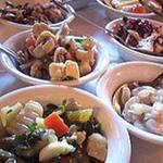 ヴァンヴィーノ - 小皿料理も豊富!ワイン・ビールで「ちょっと食い派」の方から、もっと食べたい「がっちり派」にも適量なお料理です。