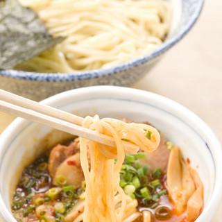 素材と味にこだわった、まるげん自慢のスープ