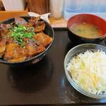 白樺 - ランチ豚丼(700円)