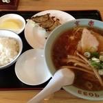 京楽 - 醤油ラーメン、餃子5個、小ライス\1050