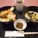 天丼やトップライト - 「小さな天丼」と平麺