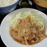 伊勢屋食堂 - 定番メニュー 豚バラ生姜焼き定食 700円