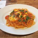 CICADA - フレッシュモッツァレラとバジルのトマトソース スパゲティーニ