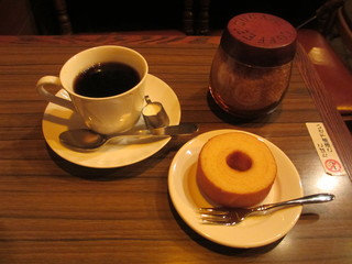コーヒーロッジ ダンテ - 珈琲とバウムクーヘン