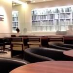 ドトールコーヒーショップ - 店内はゆったり。図書館のよう