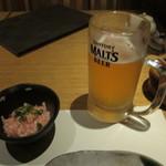 さかなさま - 生ビ&お通し(山芋の梅肉和え)